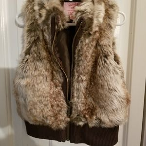 Girls Size 4/5t faux fur vest - new without tags